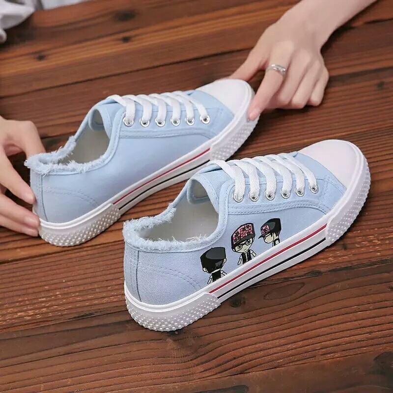 cab283a648d Women Flat Cartoon Canvas Shoes 2018 New Summer White Lace Up ...