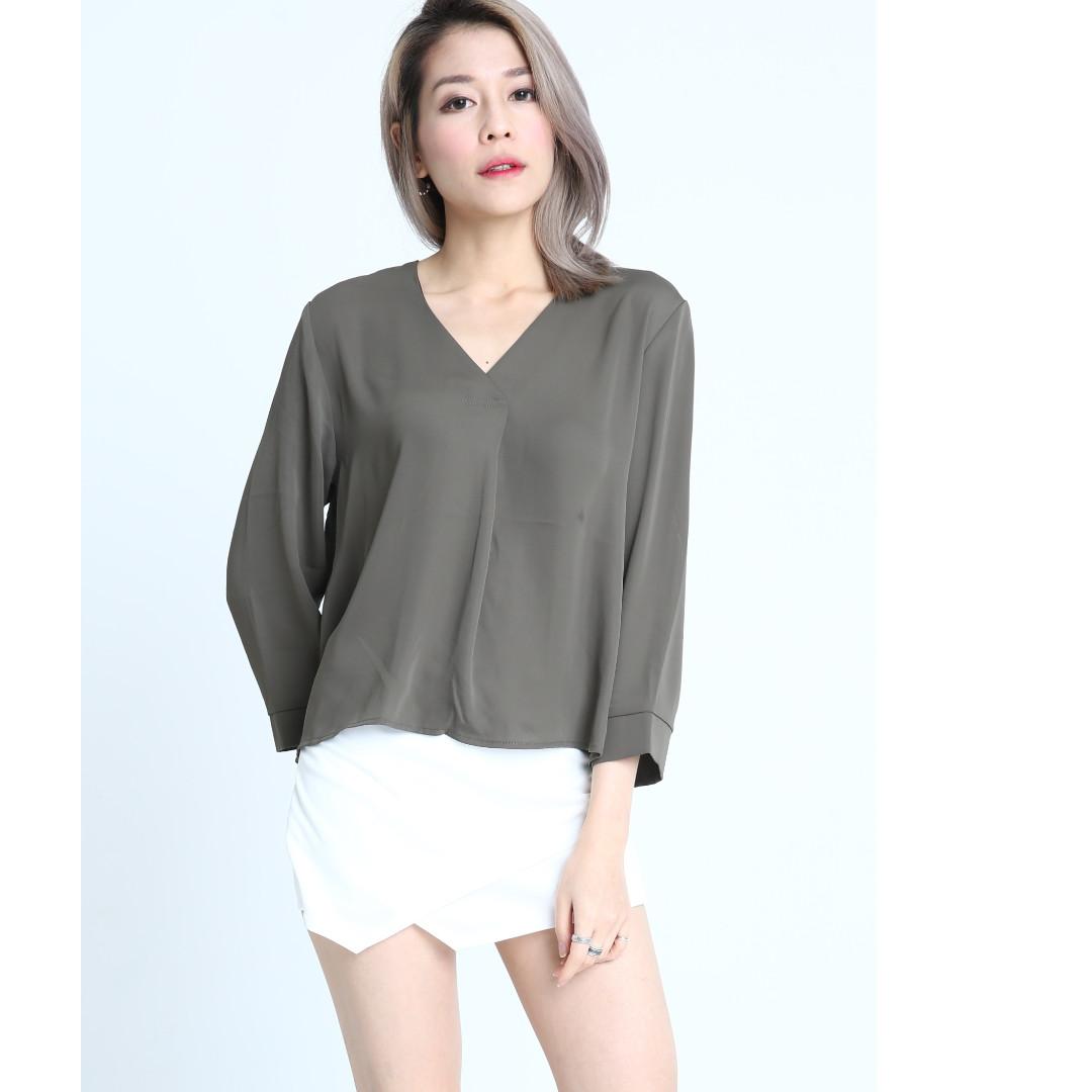 9b1710d7b50e2 WOMEN LADIES CLOTHES - V NECK TOP IN GREEN, Women's Fashion ...