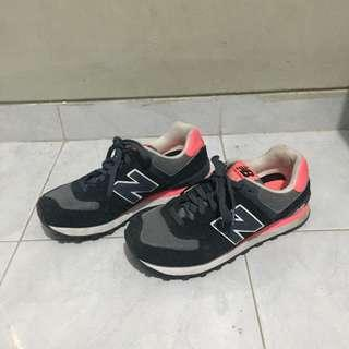 New Balance 574 Black and Pink Sneakers Size 38