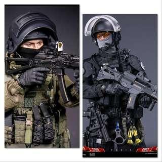 *PO Set* Damtoys 78061 FRENCH POLICE UNIT RAID IN PARIS & 78059 8th Anniversary Edition RUSSIAN SPETSNAZ MVD SOBR LYNX