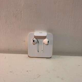 iPhone ear-pods