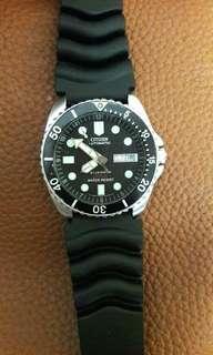 CITIZEN 200M Diver Automatic Watch