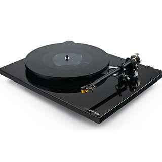REGA RP6 Turntable in Black with Exact MM Cart