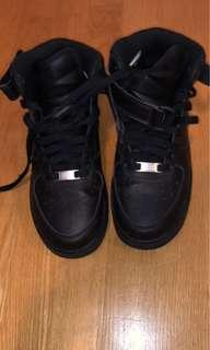 Air Force 1s Mid Y5