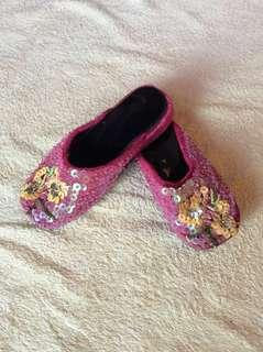 Peranakan Kasut Manek Nyonya / Nonya Beaded pink with Sequined yellow butterfly Baby / toddler / kids / girl / gals Casual Sandals Slip-on Slippers Mules Shoes 16cm