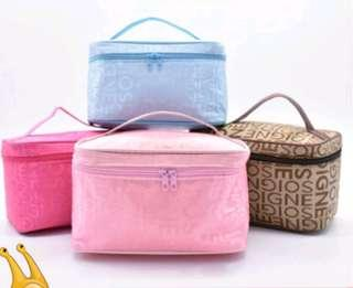 [ READY STOCK ] NEW ARRIVAL WORDS MAKEUP ORGANISER COSMETIC BAG