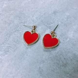 🚚 紅色愛心耳環