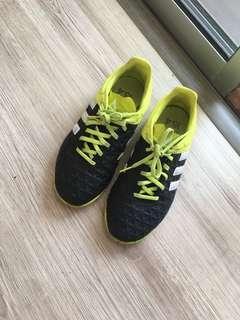 Futsal kids size shoe
