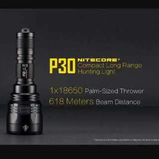 (In stock) NITECORE P30 Compact Long Throw Flashlight_618 Meters Throw_1,000 Lumens