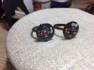 Metal ring decored with Swarovski dragonfly