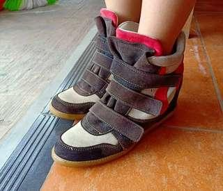 Dijual Sepatu Impor Wanita Boot Style Sporty Murah Meriah