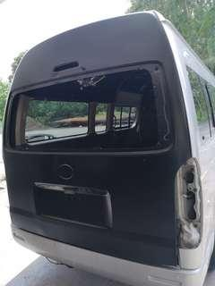 Bonnet hiace commuter