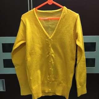 Sweater rajut kuning PUPUwear