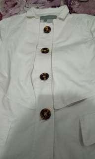 Jaket atau blazer