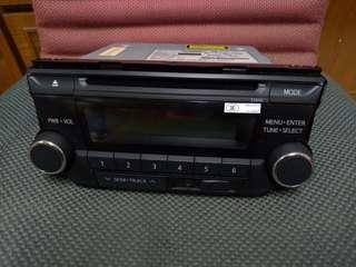 高雄 TOYOTA Vios Yaris 原廠音響主機 CD/USB/MP3 新車拆下,便宜出清