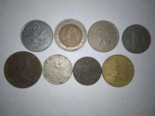 World coins, 8 diff. Malaysia, Hong Kong, Japan, New Zealand etc.