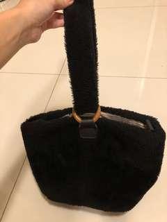 tas bulu kecil