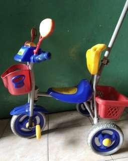 Sepeda Dorong Anak. masih bagus kuat