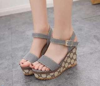 NOV 18 WEDGE SANDALS (KG)