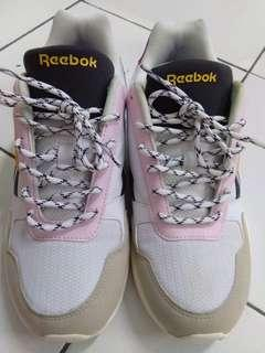 Sepatu rebook ori