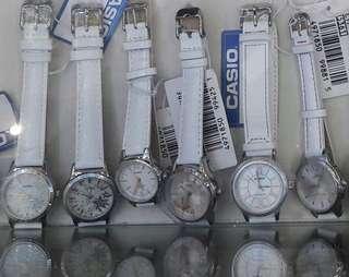 Jam Tangan Casio Putih Wanita