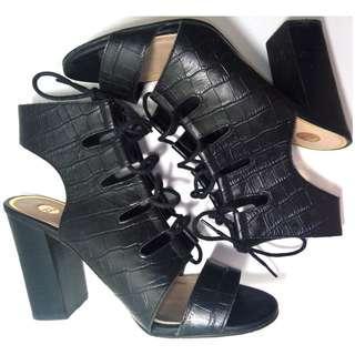 """ZU Shoes Black """"Gigi"""" Block High Heels Lace Up Sandals Shoes   Size 8"""