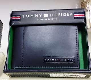 Tommy Hilfiger 銀包,真皮,兩色可選。內付可拆除塑膠證件套