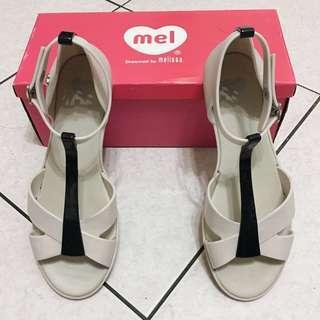 Melissa 香香鞋 T字露趾美背平底涼鞋 米白色 防水涼鞋
