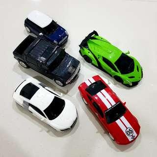 3D jigsaw puzzle cars and petrol station