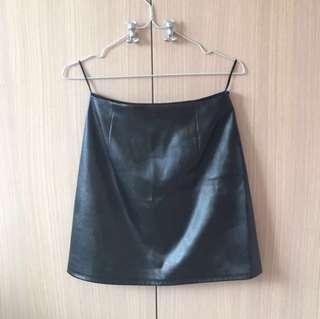 🚚 GU 皮裙黑 Size S 邊拉鍊 / 99% New