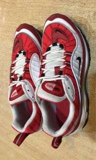 Nike air max98 紅白 26.5cm  約9成新 鞋底標誌掉鞋頭有小刮痕仔細看才明顯 無盒子