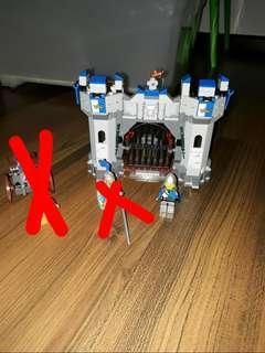 Lego The Lego Movie Knight Castle set