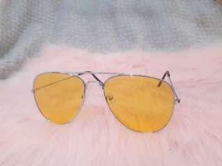 Yellow stylish sunnies