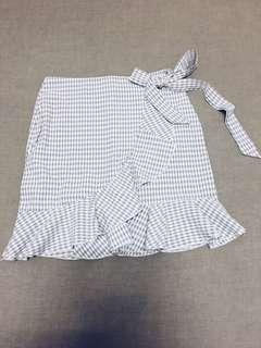 Checkered self-tied skirt (grey)