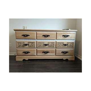 9 drawer dresser (delivery available)