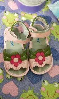 🚚 (2手)有牌粉紅色小花涼鞋 25號