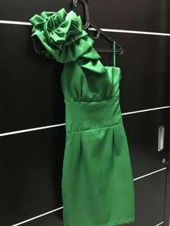 Dress pesta hijau