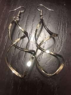 銀色螺旋吊墜耳環