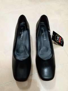 40號 Romeo valentino 3.5cm low heel 黑色返工鞋
