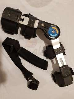 Elbow brace angle adjustable with strap