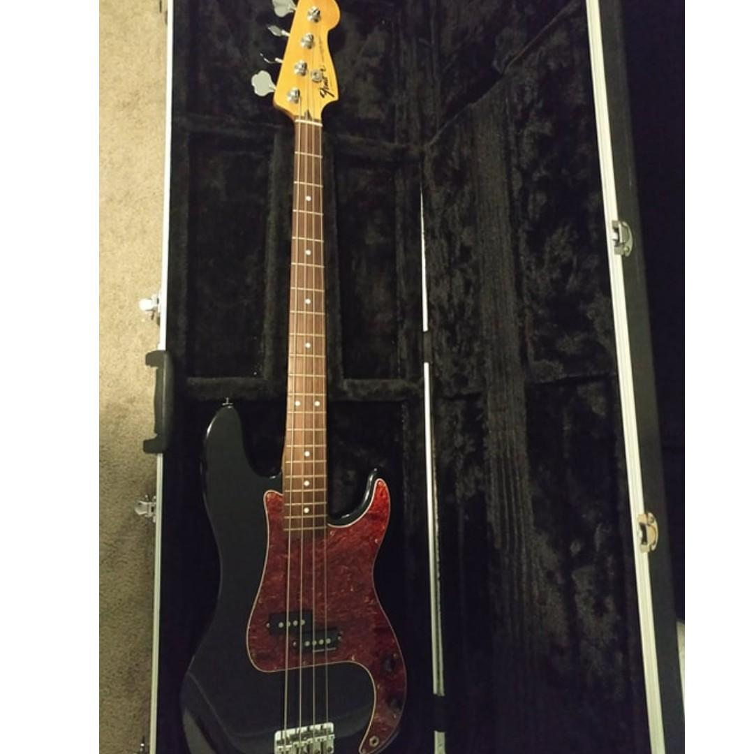 Squier Vintage Modified Jazz Bass 5 String (w/ hardcase and acc)