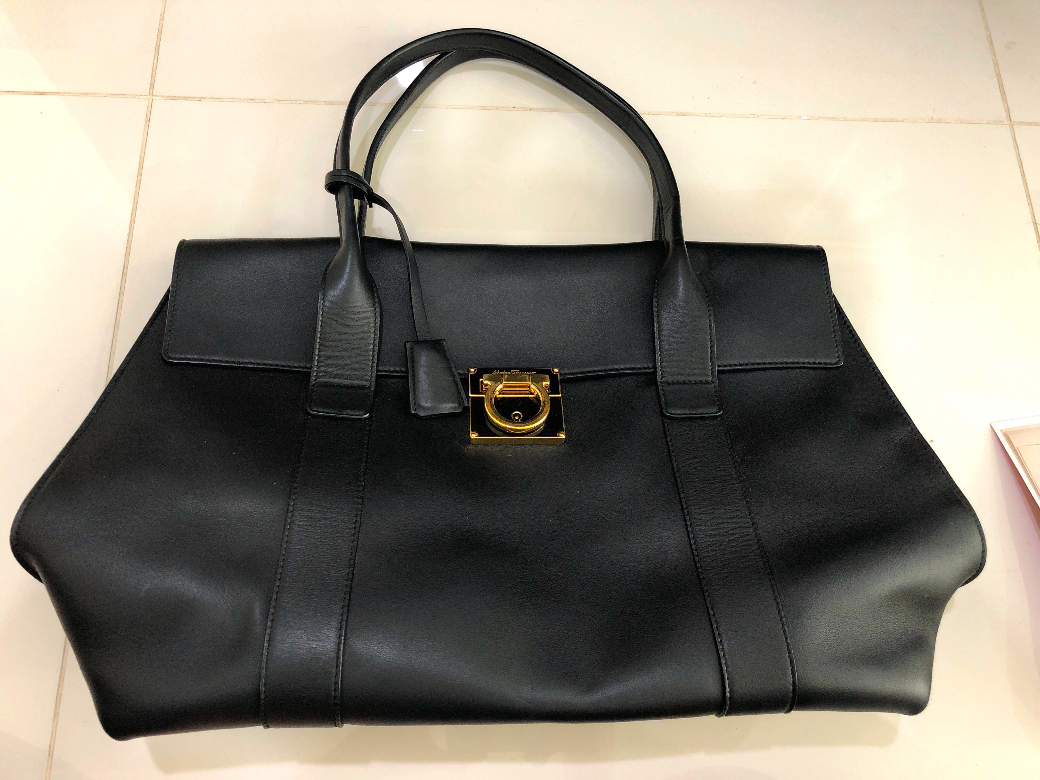 7eab9df30a Full Leather Salvatore Ferragamo handbag