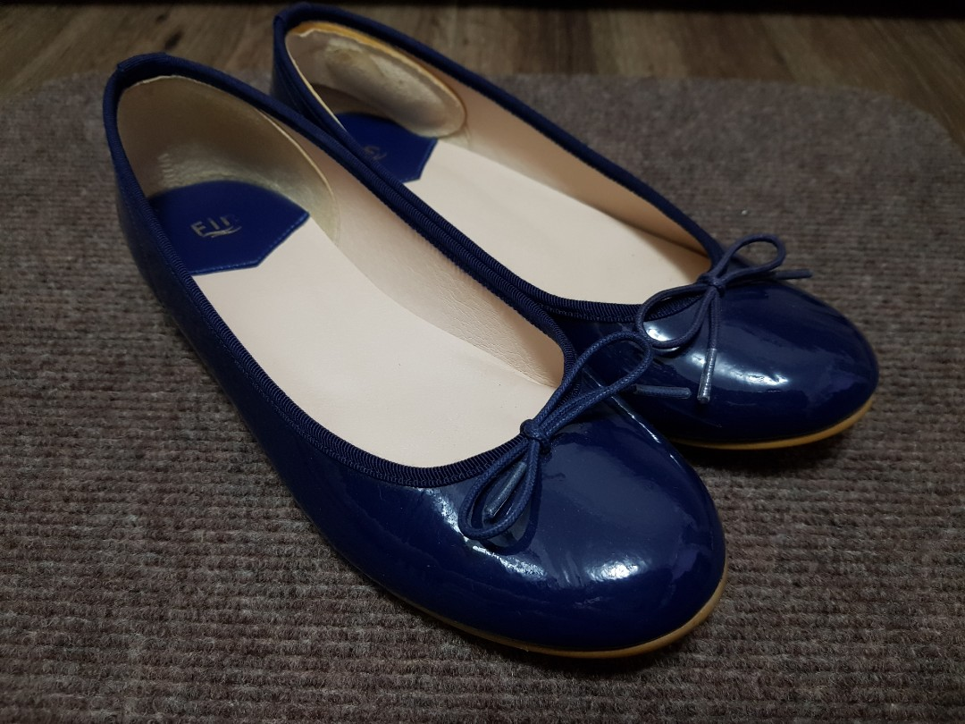 098daa4785d8 Japan brand patent leather navy flats size 35.5
