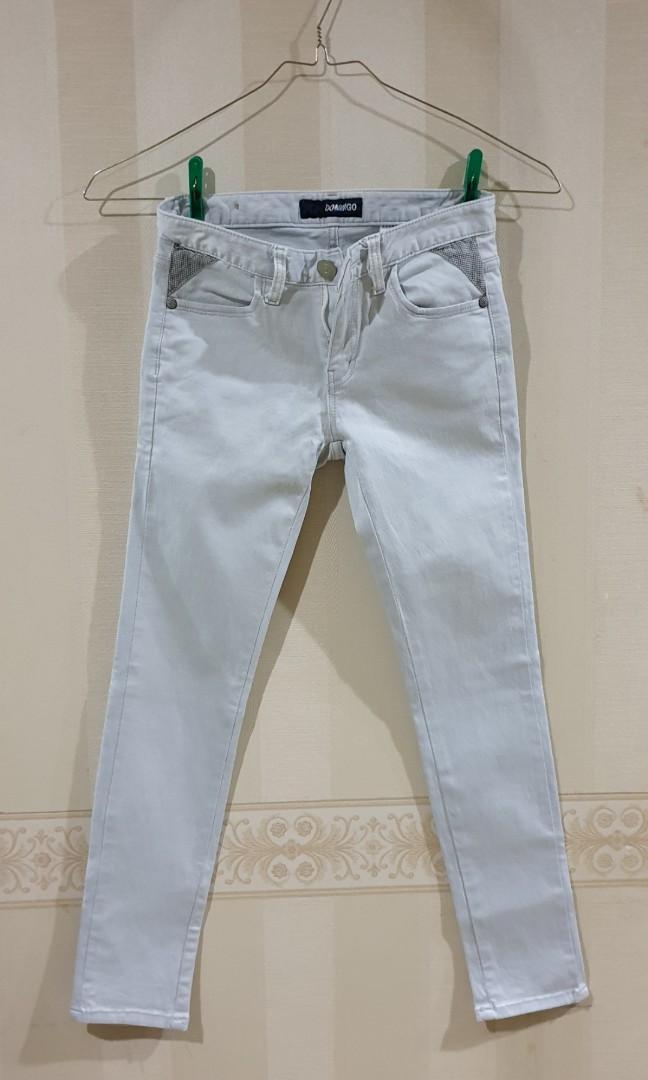 Jeans biru muda