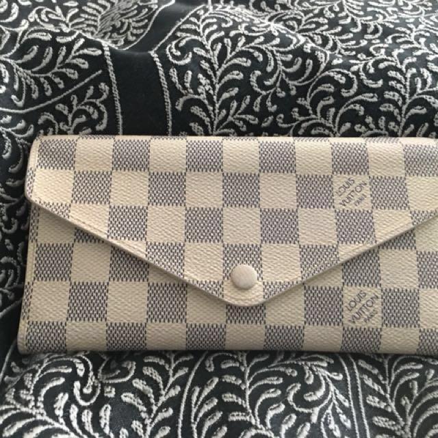Real authentic Louis Vuitton EMILIE WALLET