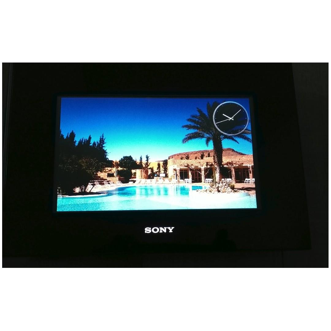Sony DPF-D92 9-Inch Digital Photo Frame (Black) $175