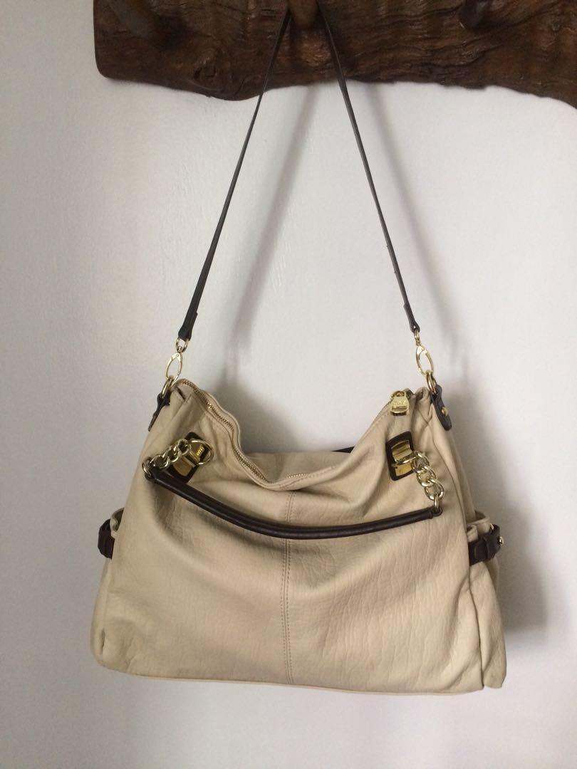 89b6391f5dd STEVE MADDEN Cream Gold Two Way Bag, Women's Fashion, Bags & Wallets ...