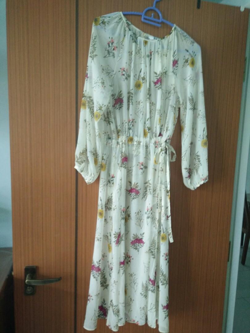 369c6676f7e Uniqlo women chiffon printed long sleeve dress
