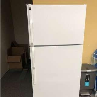 Clean/Great Condition White Fridge that needs to sell!
