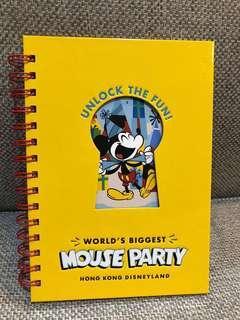🚚 全新 香港迪士尼限定米奇90 MOUSE PARTY 黃色可愛筆記本